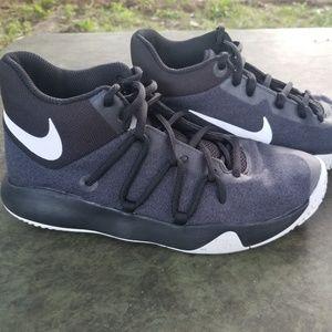 NIKE KD TREY 5 Basketball Sneakers size 5Y